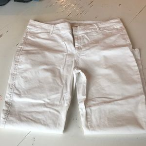 White Old Navy Pixie Pant.  Size 12